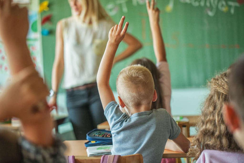 Come funziona il sistema scolastico inglese? Come iscrivere i propri figli a scuola e quali sono i documenti essenziali?